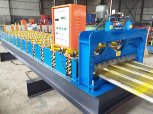 IMG 1524 300x225 - Gutter Roll Forming Machine