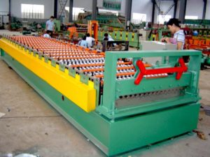 Corrugated panel roof sheet roll forming machine 4 300x225 - Corrugated panel roof sheet roll forming machine
