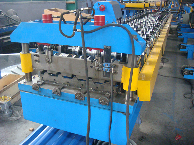 DSC05115 - IBR Steel Roof Roll Forming Machine
