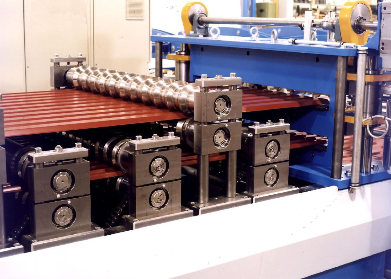 European standard roofing sheet roll forming machine