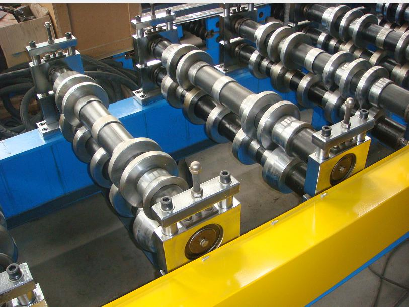Pillar structure frame roofing panel roll forming machine_details